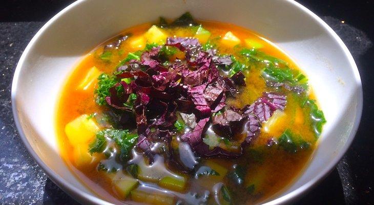 Мисо суп с капустой кейл