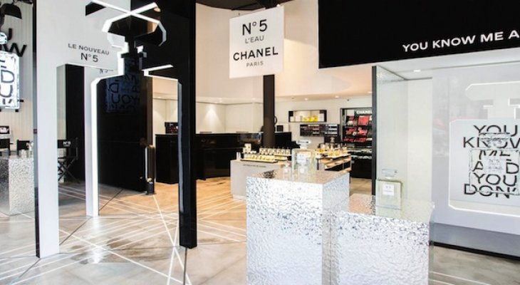 Бутик Chanel beauté на Елисейских полях
